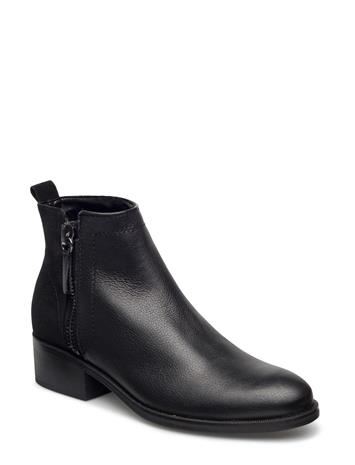 Mango Contrasting Leather Ankle Boots 14641655