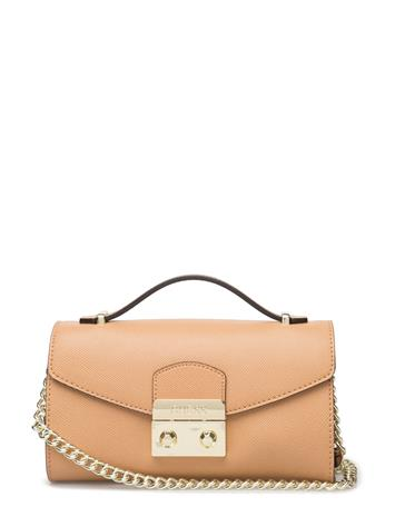 GUESS Aria Small Crossbody Clutch 14794183