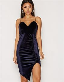 NLY One Bombshell Velvet Dress