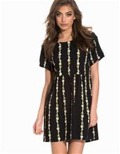 Motel Tiara Dress Loose fit dresses Black