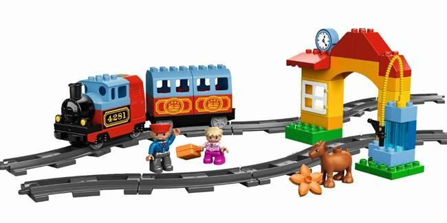 Lego Duplo 10507, Ensimmäinen junani