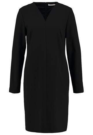 Betty & Co Vapaaajan mekko black