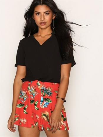 New Look Tropical Print Shorts Shortsit Red
