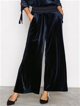 Only onlALEX Drapy Velvet Pant Pnt Housut Tummansininen