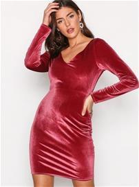 NLY Trend Flirty Velvet Dress Kotelomekot Fuchsia