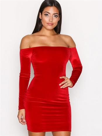 NLY One Off Shoulder Velvet Dress Kotelomekot Tummanpunainen