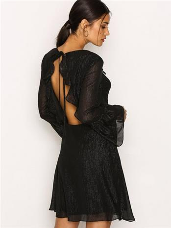 NLY Trend Shiny Frill Dress Skater Dresses Musta