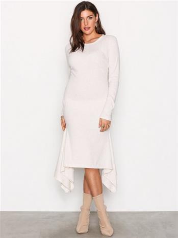 NLY Trend Rib Frill Dress Pitkähihaiset mekot Beige