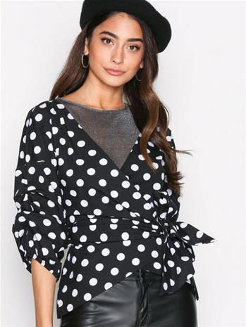 NLY Trend Wrap Shoulder Blouse Juhlapaidat Dots