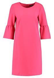 More & More Vapaaajan mekko pink