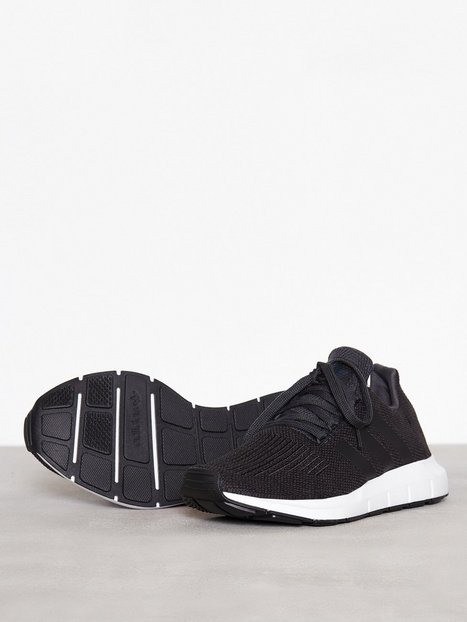 separation shoes c7ea2 ef7fe Adidas Originals Swift Run Tennarit   kangaskengät Black, hinta 95 €