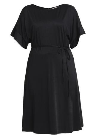 Only Carmakoma CARBEATLE DRESS Vapaaajan mekko black