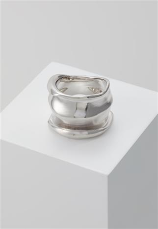 Elizabeth and James LEIGH Sormus silvercoloured