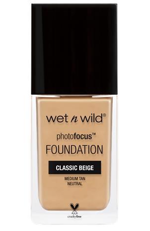 """Wet n Wild"""" """"Photo Focus Foundation"""