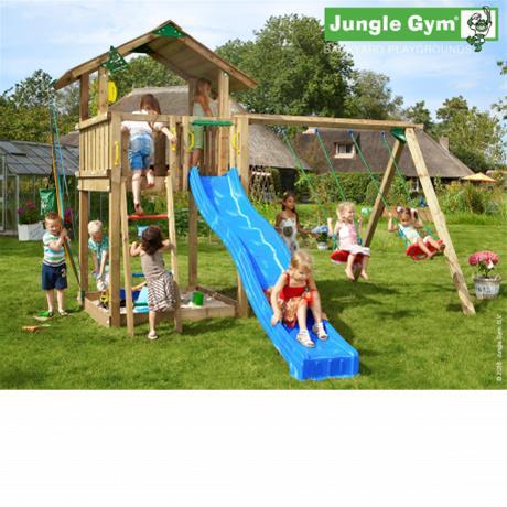 Jungle Gym Chalet -leikkitorni keinumoduulilla ja 120kg hiekkaa