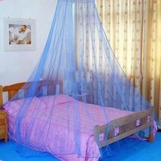 Hyttysverho sängyn päälle - Valkoinen