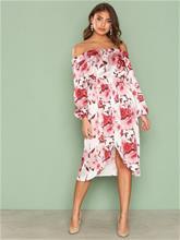 NLY One Off Shoulder Print Dress Väljät juhlamekot Punakuviollinen