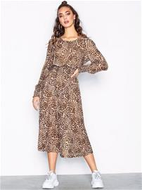 Sisters Point Ezora Dress Maksimekot Leopard