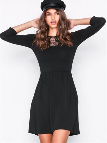 Only onlNIELLA Lace 3/4 Dress Skater-mekot Musta