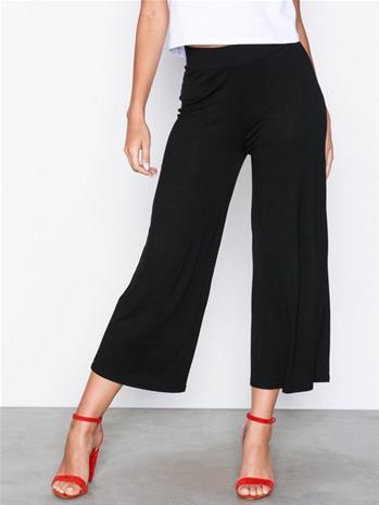 NLY Trend Basic Culottes Musta, Naisten housut ja shortsit