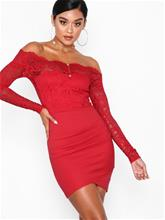 NLY One Off shoulder Lace Dress Punainen