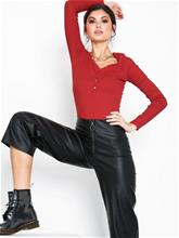 New Look V Neck Front Ribbed Top Wine