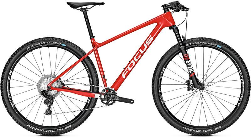 FOCUS Raven 8.8 etujousitettu maastopyörä , punainen