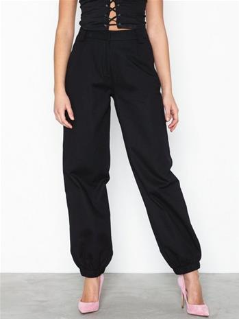 NLY Trend Perfect Cargo Pants Musta