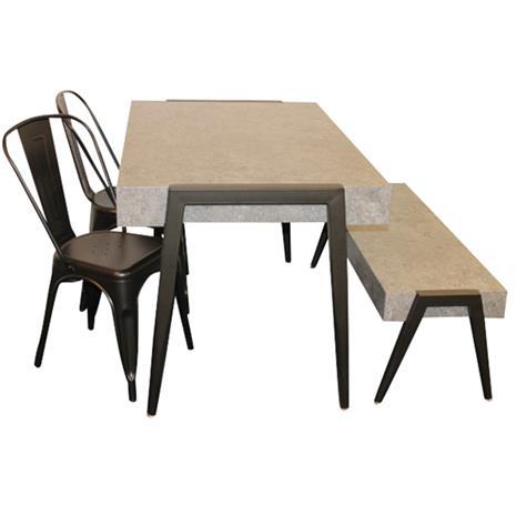 006 009 154 Pöytä sementtiä muistuttavasta materiaalista + penkki samasta materiaalista + 2 peltistä tuolia