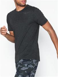 Nike M Nk Brt Top Ss Hpr Dry Treeni t-paidat Tummanharmaa