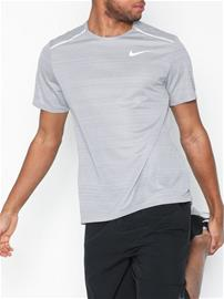 Nike M Nk Dry Miler Top Ss Treeni t-paidat Harmaa