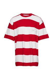 Calvin Klein Jeans Wide Stripe Pocket Tee --7 Punainen