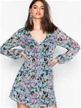 NLY Trend See Deep Dress