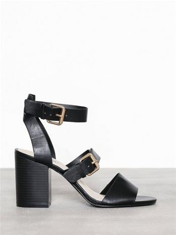 NLY Shoes Buckle Up Block Heel