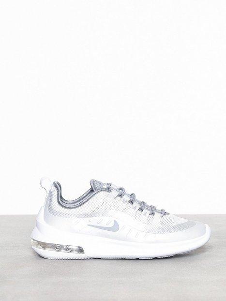 online store d2f2f c56b9 Nike Nsw Nike Air Max Axis Vaaleanharmaa, hinta 120 €