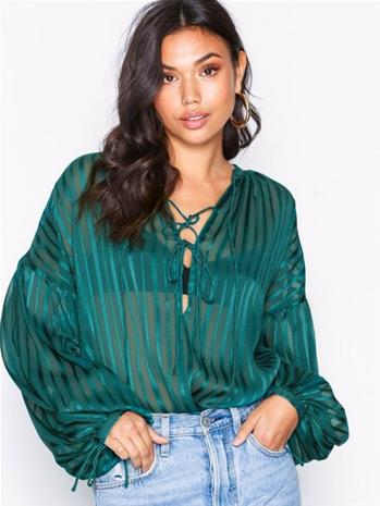 NLY Trend Sheer Fancy Blouse