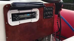 Sony MEX-M71BT, cd-soitin veneeseen