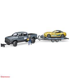 Bruder RAM 2500 Power Wagon + Bruder Roadster Racing team ajoneuvo
