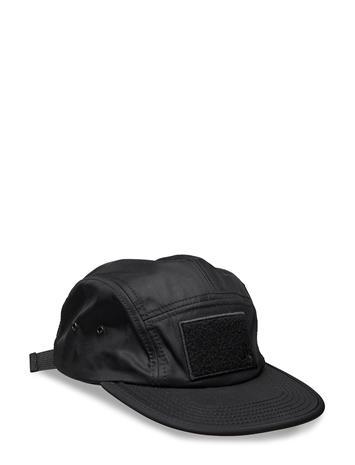 WESC Soft Velcro 5 Panel Cap Lippalakki Musta WESC BLACK