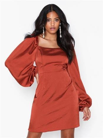 Glamorous Puffy Sleeve Satin Slit Dress
