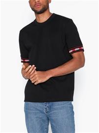 Hugo Derra T-paidat ja topit Black