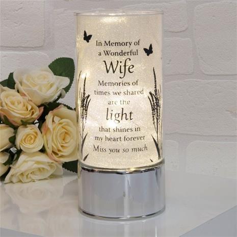 Wife - Exklusivt minnesljus Led i glas för din älskade Fru. 20cm