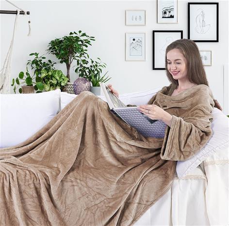 LAZY Snug -torkkupeitto hihoilla ja taskuilla, beige 150 x 180 cm