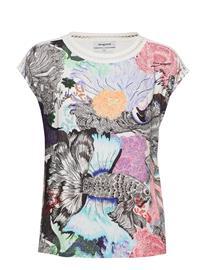 Desigual Ts Viena T-shirts & Tops Short-sleeved Punainen Desigual CARMIN