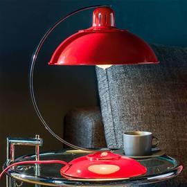 Elstead Raikasta punaista – Franklin-pöytävalaisin