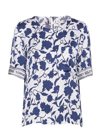 Tommy Hilfiger Peonie Top Ss Blouses Short-sleeved Sininen Tommy Hilfiger JOANNA FLORAL BORDER / BLUE