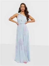 NLY Eve Flowy Maxi Gown