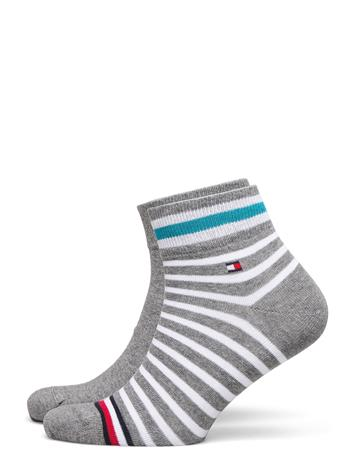 Tommy Hilfiger Th Men Quarter 2p Collegiate Stripe Underwear Socks Regular Socks Harmaa Tommy Hilfiger MID GREY MELANGE