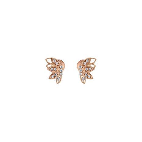 Kultaiset korvakorut liblikad