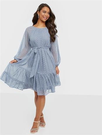 NLY Trend Volume Sparkle Dress
